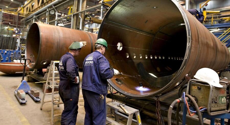 Aalborg Industries. I produktionen.