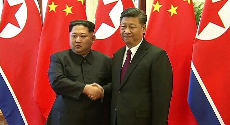 Den nordkoreanske leder Kim Jong-un og den kinesiske Xi Jinping leder har tilbragt flere dage sammen. Det er Kim Jong-uns første statsbesøg siden han overtog magten i Nordkorea i 2011.