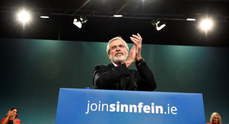 Den mangeårige formand for det irske parti Sinn Fein, Gerry Adams, siger, at han vil træde tilbage næste år. REUTERS/Clodagh Kilcoyne