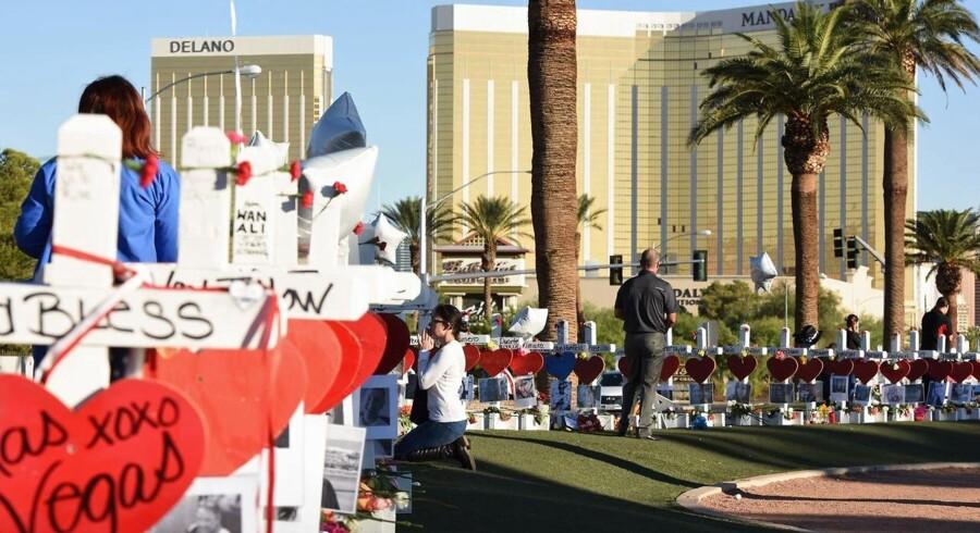 Arkivfoto: MGM Resorts ejer Mandalay Bay Resort and Casino, hvor gerningsmanden bag masseskyderiet i Las Vegas 1. oktober i fjor havde lejet et værelse, hvorfra han skød mod publikum til en koncert. 58 blev dræbt. Nu sagsøger hotelkoncernen MGM Resorts en række ofre.