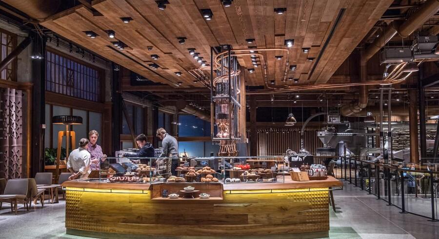 Her er det upscale-flagskib, som Starbucks nu vil rulle ud verden over - mærket hedder Reserve og på billedet ses Reserve Roastery, som er prototypen i Seattle. I 2021 vil der være 6.000 Reserve caféer af forskellige typer over hele verden.