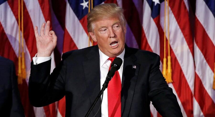 Hvad vil Donald Trump som præsident egentlig gøre uden for USAs grænser? Det spørgsmål stiller udenrigstjenester sig selv verden over, og også i Danmark fører det til bekymring. Her ses Trump efter sejren ved præsidentvalget. REUTERS/Mike Segar/File Photo