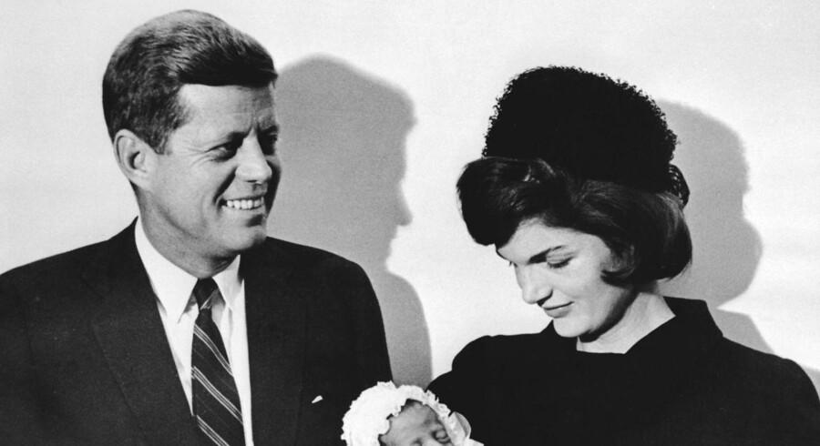 Nye oplysninger om mordet på præsident Kennedy kan ifølge USA-ekspert belaste efterretningstjenesterne. / AFP PHOTO / SAM SCHULMAN