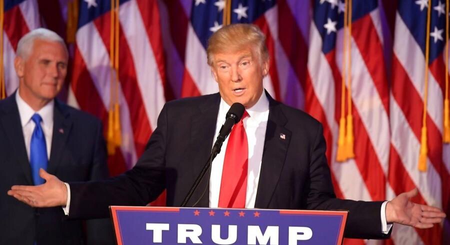 Ifølge en ubekræftet efterretningsrapport, som florerer i den amerikanske presse, ligger den russiske efterretningstjeneste inde med kompromitterende oplysninger om Donald Trump.
