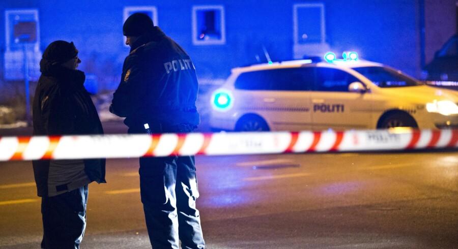 København har de seneste måneder lagt gader til adskillige skyderier, der har forbindelse til den verserende bandekonflikt. Natten til fredag blev endnu en person ramt af skud - denne gang i Tingbjerg. Scanpix/Martin Sylvest Andersen/arkiv