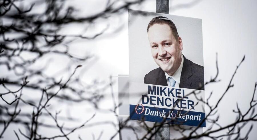 Viceborgmester i Hvidovre og medlem af folketinget, Mikkel Dencker (DF), stemte sammen med blandt andet Socialdemokratiet imod en kampagne, der skulle få flere tosprogede og unge til at stemme.