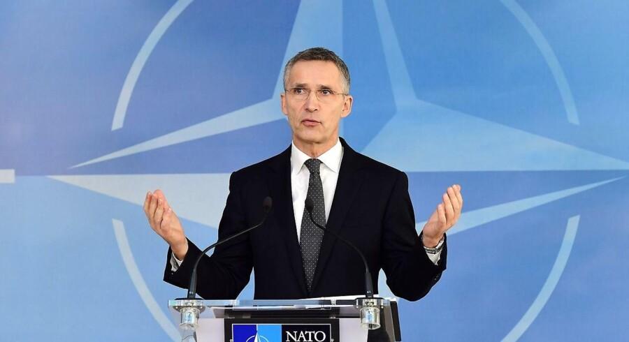 Libyens statsminister har bedt Nato om at hjælpe landet. Alliancen går nu i tænkeboks for at vurdere, hvordan et bidrag kan se ud.