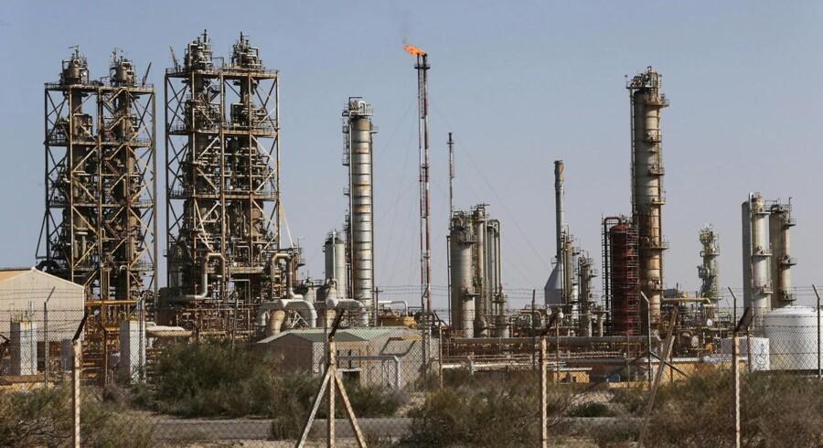 Arkvifoto: Efterspørgslen på olie kan fortsat slet ikke følge med udbuddet, og vi er på mod endnu et markant dyk i prisen.