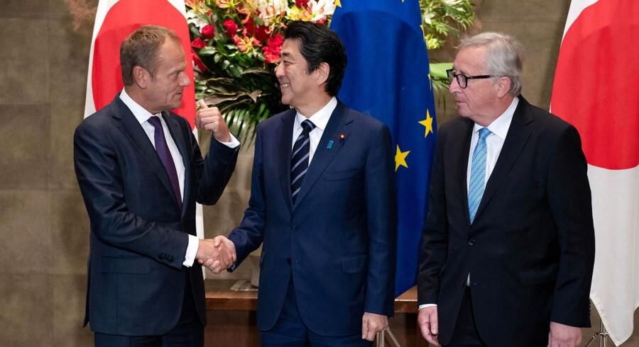 EU-præsident Donald Tusk, Japansk premierminister Shinzo Abe og EU-kommissionsformand Jean-Claude Juncker.
