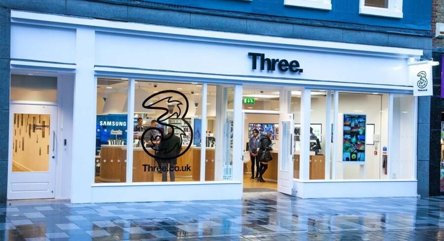 En ansats adgang til kundebasen hos »3«s britiske afdeling skaffede adgang til at kunne bestille dyre telefoner i kundernes navn og siden hugge dem, inden de nåede frem. Foto: Three