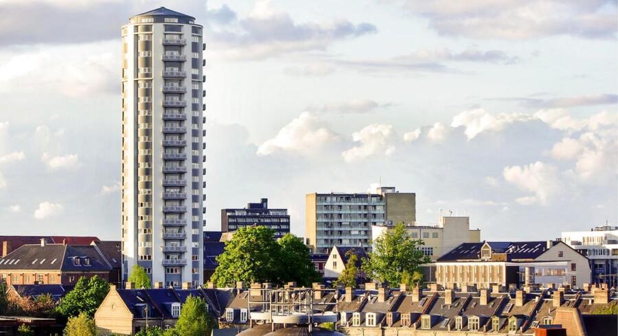 Carlsbergtårnet er en tidligere kornsilo, der nu er blevet til lejligheder. Ikke mindst lejlighederer steget kraftigt i pris i hele København.