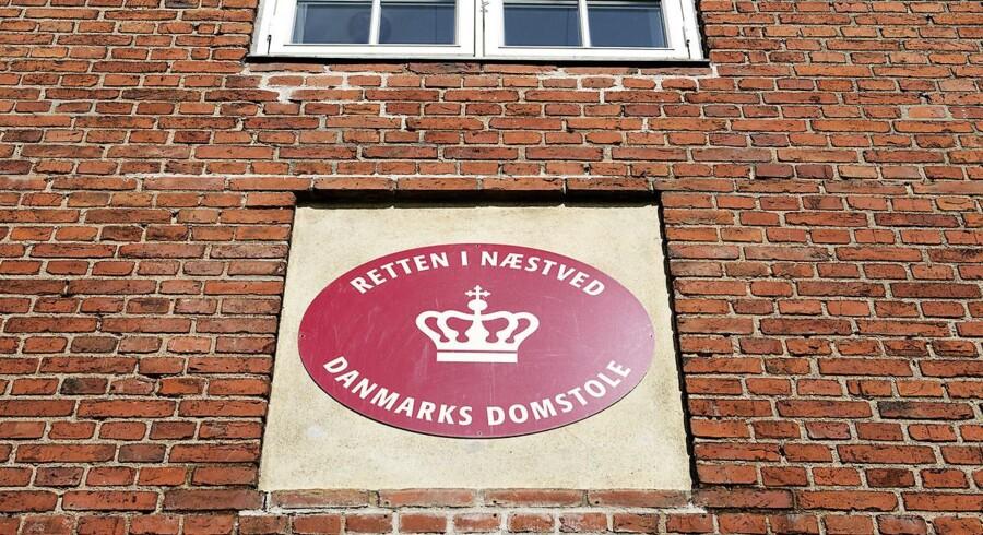 En 31-årig krigsveteran er i dag blevet idømt en behandlingsdom ved Retten i Næstved. Den dømte havde sendt 18 bombetrusler til blandt andet lufthavne og butikscentre.