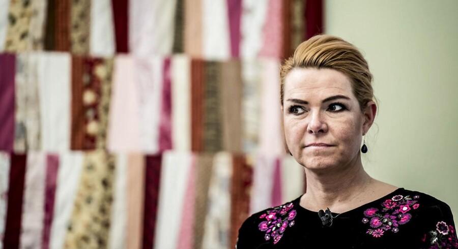Udlændinge- og integrationsminister Inger Støjberg (V) forsvarer den afgående norske justitsminister Sylvi Listhaug.