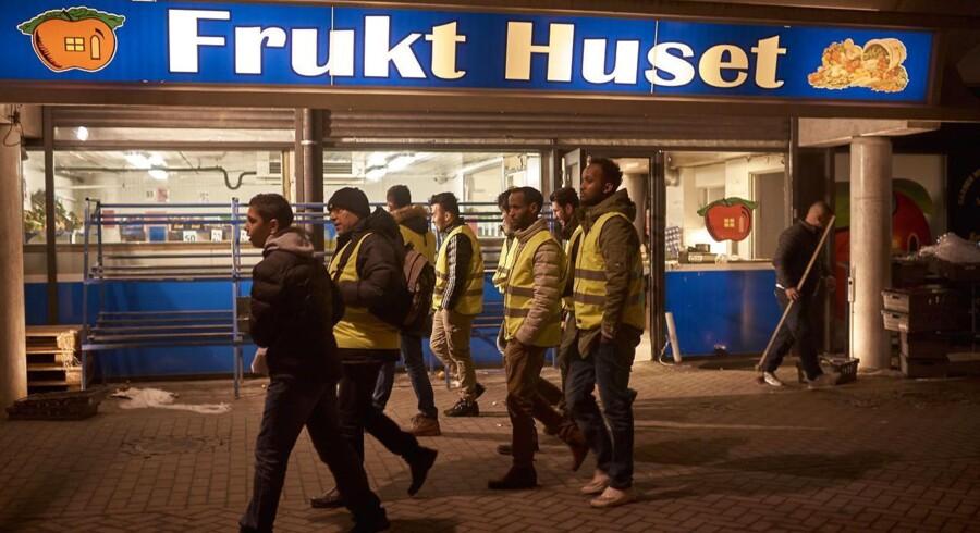 Sidste år satte mordraten i Malmø rekord med 11 mord. Det fik frivillige fra kvarteret Rosengård til at tage initiativ til ugentlige »tryghedsvandringer« i området. Arkivfoto.