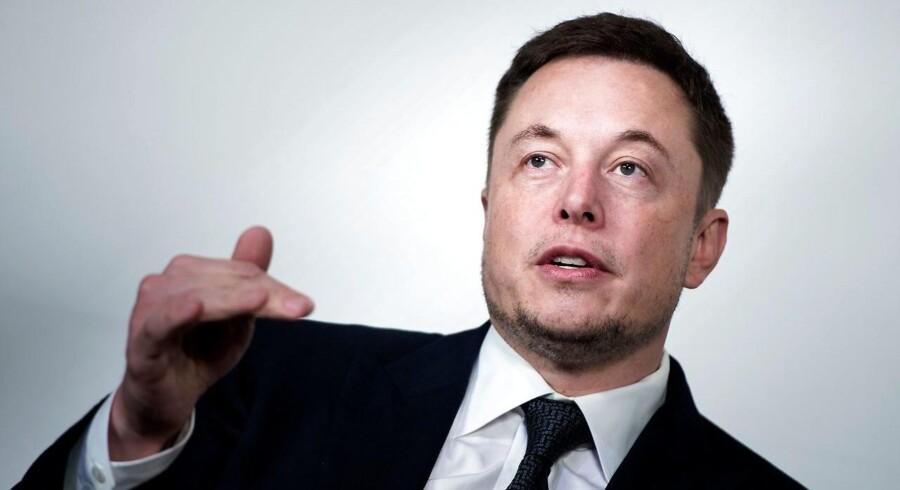 Elon Musk, topchef for elbilsproducenten Tesla og rumvirksomheden SpaceX og tidligere medstifter af netbetalingstjenesten PayPal, er igen gået i kødet på en kritiker via Twitter. Arkivfoto: Brendan Smialowski, AFP/Scanpix