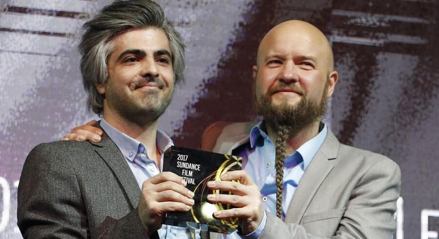 """Den dansk-syriske dokumentar """"De sidste mænd i Aleppo"""" fik en jurypris for dokumentarfilm ved Sundance Film Festival i USA. Instruktører Steen Johannessen (til højre) og Feras Fayyad (til venstre)"""