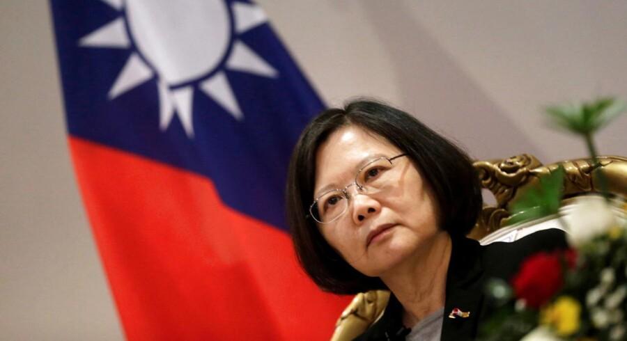 Taiwan's præsident Tsai Ing-wen har talt i telefon med den USAs kommende præsident, Donald Trump. Og det har fået kineserne op i det røde felt.