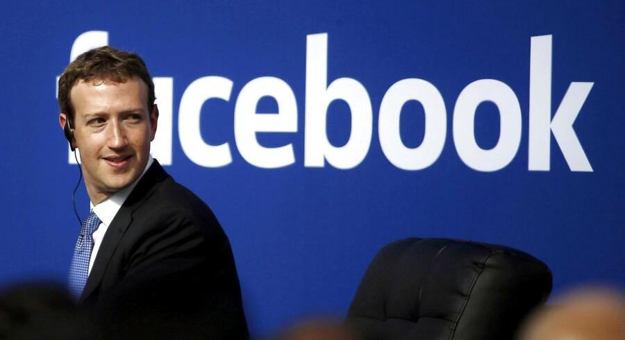 Mark Zuckerberg har på trods af et tab på 2 milliarder dollars øget sin formue i 2017 med 82 milliarder kroner, og er i dag god for 417 milliarder kroner. Foto: REUTERS/Stephen Lam.