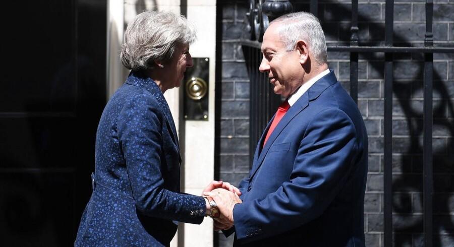 Flere end 100 palæstinensere er blevet dræbt siden slutningen af marts, og det bekymrer Theresa May.