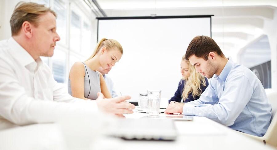 » En ny undersøgelse, som Lederne har foretaget i samarbejde med analyseinstituttet YouGov baseret på svar fra 4.346 ledere primært i den private sektor, viser nemlig, at deltagelse i lederuddannelser og kursusaktiviteter har en positiv effekt på lønsedlen for næsten tre ud af ti ledere. «