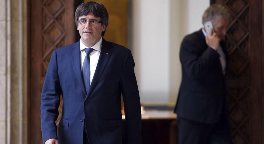 -Arkiv- RB PLUS Verden venter på Cataloniens næste træk - -