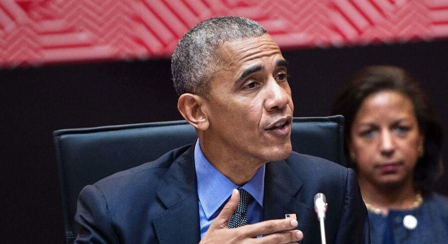 Obama med Susan Rice i baggrunden. Fotograferety november 2016.AFP PHOTO / Brendan Smialowski