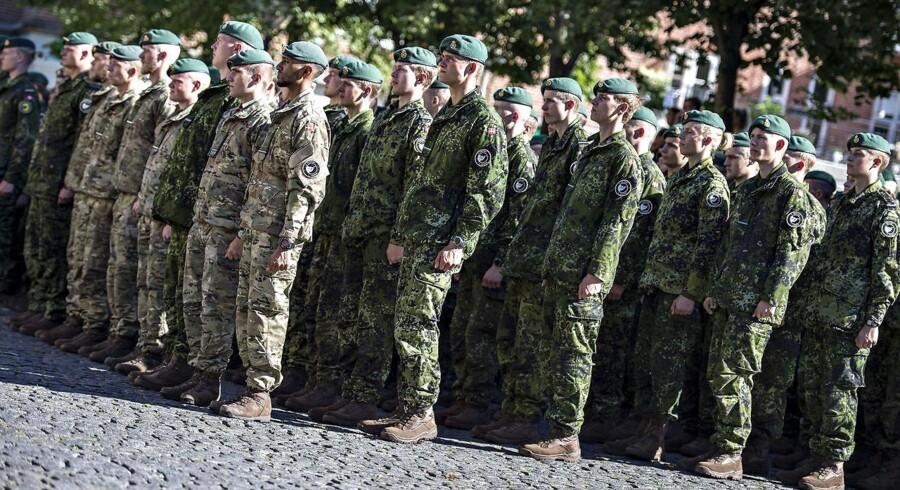 Flere værnepligtige og flere mand til livgarden. Det er nogle af brikkerne i udspillet til et nyt forsvarsforlig.