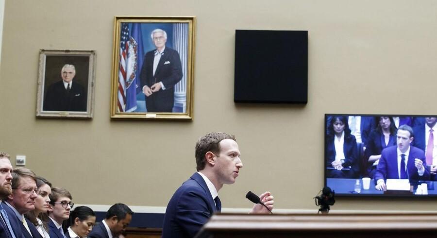 Mark Zuckerberg slipper ikke af sted med blot at sige undskyld. Han står i spidsen for en børsnoteret virksomhed, som er milliarder af kroner værd. Arkivfoto: Shawn Thew, EPA/Scanpix