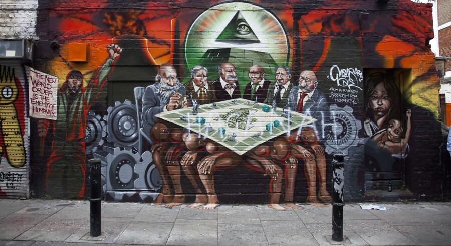 Lederen af det britiske Labour - Jeremy Corbyn - forsvarede dette vægmaleri i London. Byrådet krævede det fjernet for at være ondskabsfuldt og antisemitisk. Alle rigmændene, som på maleriet spiller Matador på ryggen af verdens fattige, ligner jødiske karikaturer fra Der Stürmer. Men Corbyn kunne ikke se problemet og undrede sig over, hvorfor det skulle fjernes.