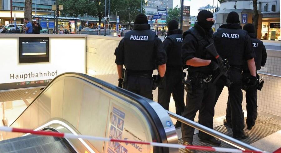 Fredagens massemord i München har fået politikere fra alle lejre til at kræve indsatsen mod lignende episoder skærpet. Blandt andet via øget våbenkontrol og et mere våbenpotent politi.