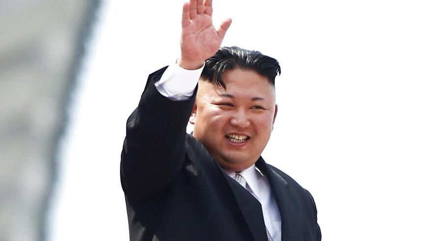 Donald Trump er villig til at mødes med Kim Jong-un under de rette omstændigheder. Det siger den amerikanske præsident i et interview med Bloomberg News. Scanpix/Ed Jones
