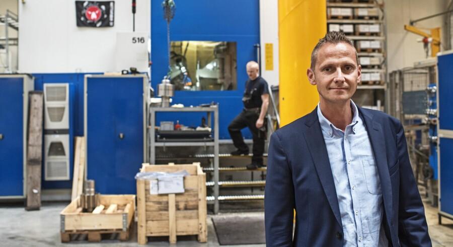 Produktionsdirektør Thomas Rohde higer og søger efter industriteknikere, der kan være med til at holde dampen oppe hos virksomheden Niebuhr Gears, der i Ikast har stor succes med at fremstille tandhjul i alle størrelser. Foto: Bo Amstrup