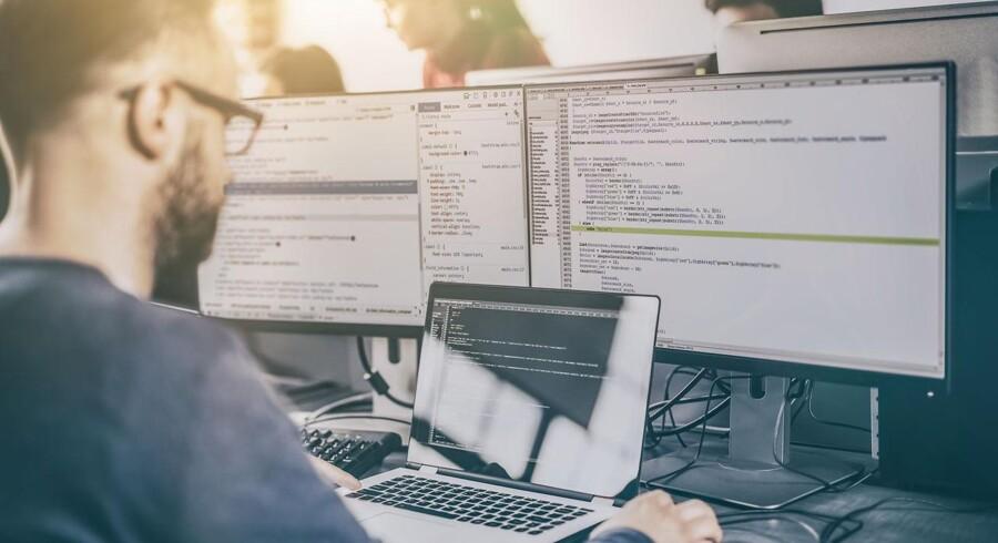 Problemer med at rekruttere højtuddannede IT-specialister er alvorligt og stigende. I 2030 vil der mangle 19.000 dataloger, softwareudviklere og programmører i Danmark. Andre tal viser, at vi om fem år kan have brug for op mod 30.000 app-udviklere.
