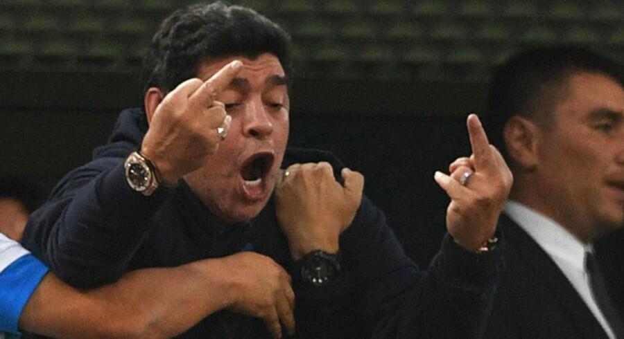 Sådan reagerede Diego Maradona på et argentinsk mål mod Nigeria.