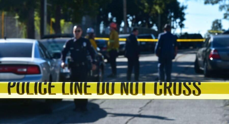 Los Angeles-politifolk ved Salvadore Castro Middle School, hvor to studerende blev såret i et skoleskyderi den 1. februar. Myndighederne i Californien har i dag den 21. februar udtalt at de har afværget et skoleskyderi i byen Whittier.
