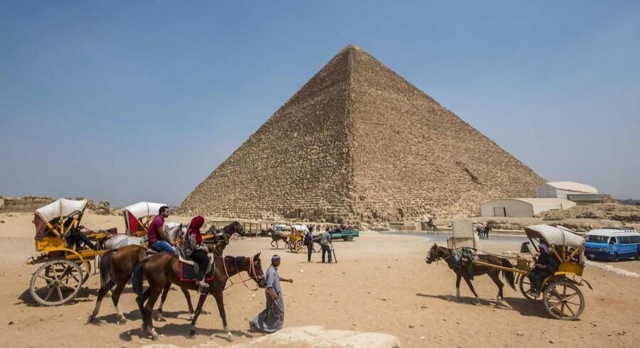 Der er blevet registreret et hidtil uopdaget rum på størrelse med et passagerfly Keopspyramiden i Giza.