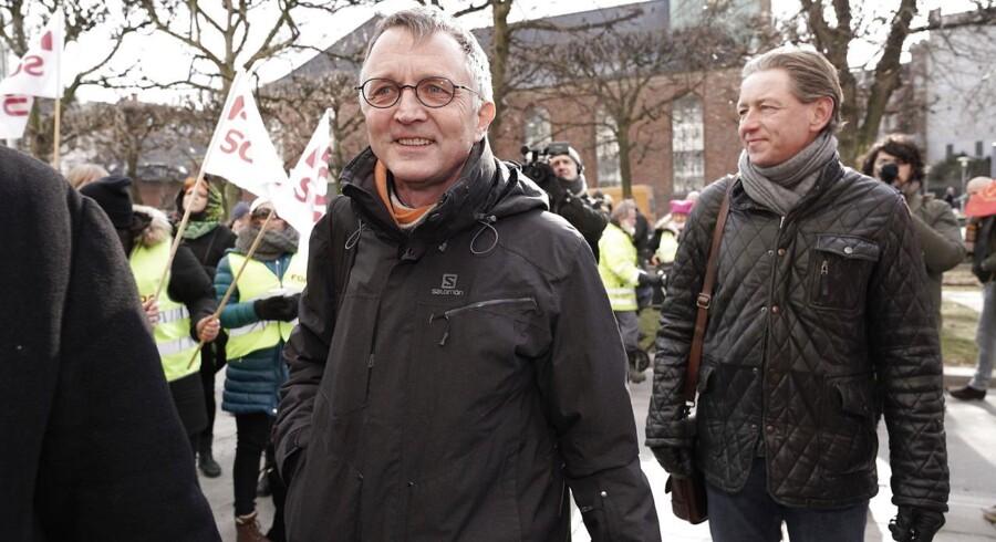Anders Bondo Christensen ankommer til overenskomstforhandlinger i forligsinstitutionen: Lige nu er han hovedpersonen i den truende storkonflikt.