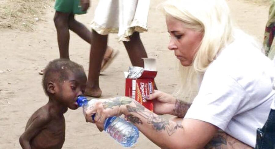 Anja Ringgreen Lovén er leder af DINNødhjælp. Tidligere på året tog hun den lille nigerianske dreng Hope til sig. Hans familie havde efterladt ham, fordi de troede, at han var et heksebarn. Anja Ringgren Lovén har dedikeret sig til at hjælpe disse såkaldte heksebørn, og nu er hun blevet kåret som verdens mest inspirerede person i 2016.