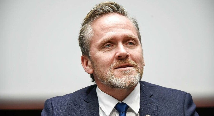 Anders Samuelsen afgiv sine stemmer på Stensballeskolen i Horsens.
