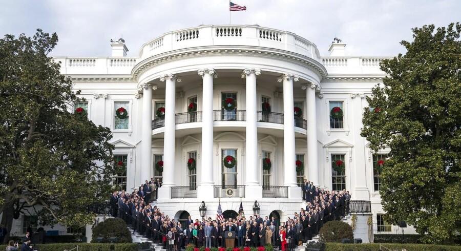 Repræsentanternes Hus har som det sidste kammer i den amerikanske kongres vedtaget en omfattende reform af USA's skattesystem. Dermed mangler kun præsidentens signatur, før omlægningen kan føres ud i livet. Præsidentens signatur forventes i januar.