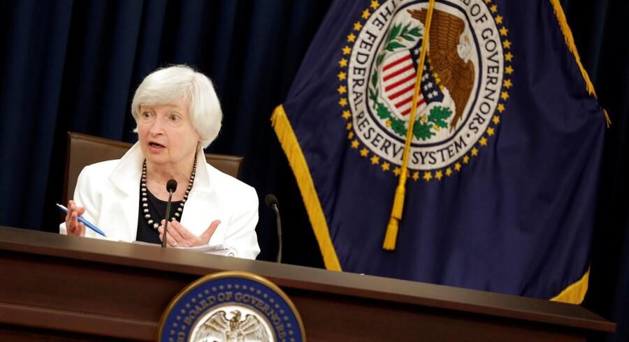 Den kunstige stimulans til markederne skal nu rulles tilbage, siger den amerikanske centralbankchef Janet Yellen, om end stille og roligt.
