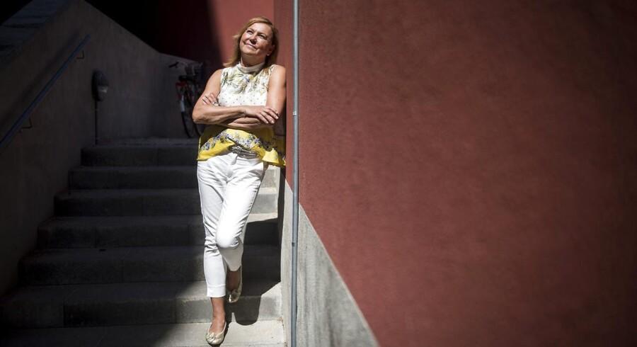 Lone Blume er stifter af Family Support, og byrådsmedlem for S i Horsens. Erfaringer fra en skilsmisse og senere en kærestes død, fik hende til at etablere Family Support, som tilbyder trivselsmålinger og bl.a. familierådgivning betalt af arbejdsgiveren. Foto: Mads Joakim Rimer Rasmussen