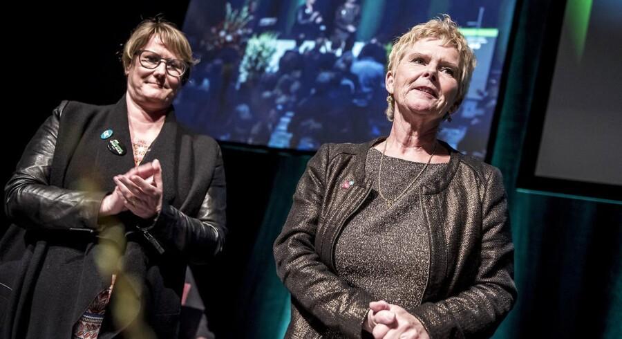Formand for LO Lizette Risgaard og formand for FTF Bente Sorgenfrey under den stiftende kongres Odeon i Odense, efter at det er offentliggjort, at de to store paraplyorganisationer, LO og FTF rykkes sammen til en stor organisation, fredag den 13. april 2018.. (Foto: Mads Claus Rasmussen/Ritzau Scanpix)