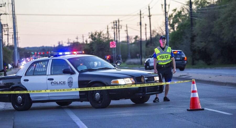 En mistænkt blev forfulgt af politiet, da han udløste en sprængladning, som dræbte ham, meddeler tv-station.
