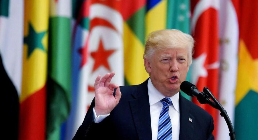 Donald Trump holdt søndag en 45 minutter lang tale til topmøde i Riyadh på sit første udlandsbesøg.