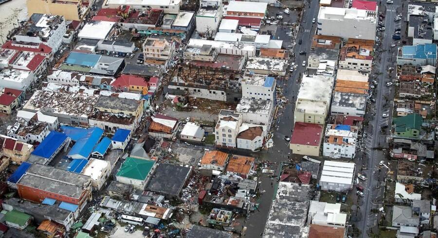 Sådan så der ud på den hollandske del af den lille caribiske ø Saint Martin, efter at den tropiske orkan Irma var faret forbi med vindhastigheder på næsten 300 km/t.