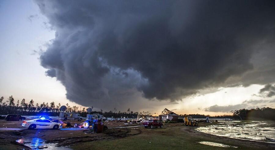 Ekstremt vejr som tornadoer og stormflod er en stigende trussel mod verden, lyder det i ny rapport fra World Economic Forum.