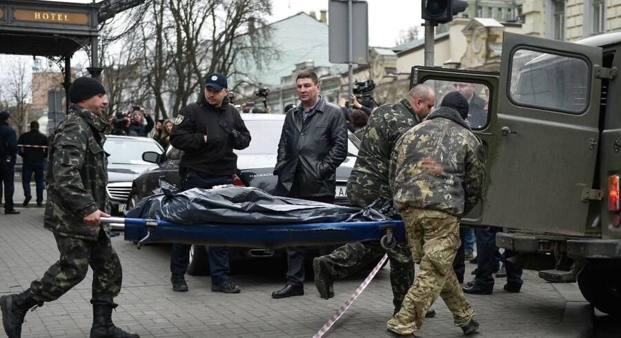 Ukraine anklager Rusland for »statslig terror« efter mord på nøglevidne i retssag mod tidligere præsident.