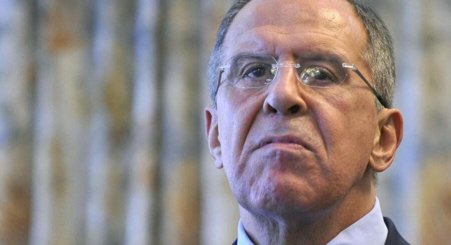 På en pressekonference har Ruslands udenrigsminister, Sergej Lavrov, omtalt den påståede voldtægt af en 13-årig pige i Berlin og anklaget tysk politi for »at dække over virkeligheden af indenrigspolitiske grunde«.