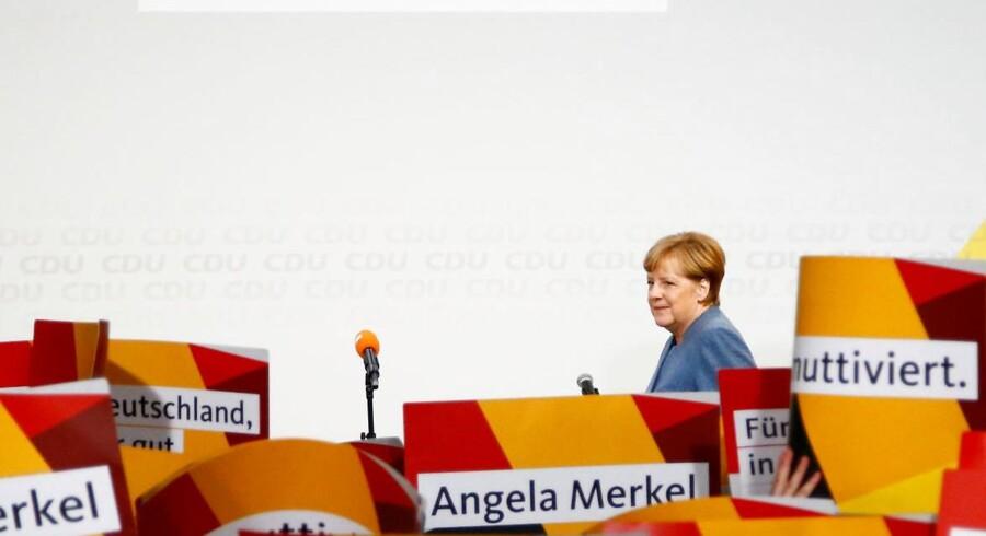 Angela Merkel kan siges at have vundet weekendens valg i Tyskland, på trods af tilbagegang i forhold til tidligere valg. Øknonom kalder situationen »kompliceret« og »svær«.